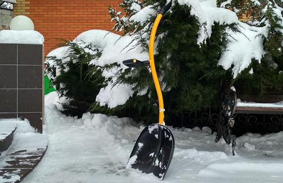 Top Shop Tornadica Ergonomic Shovel